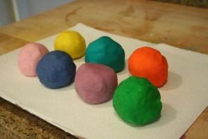 Imparare come fare plastilina in inglese